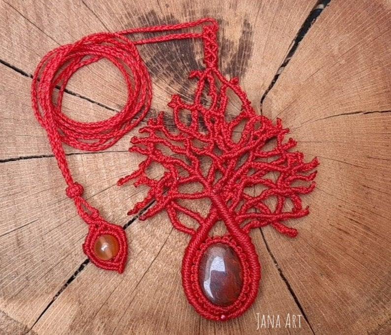 collana ed orecchini anthozoa in macrame